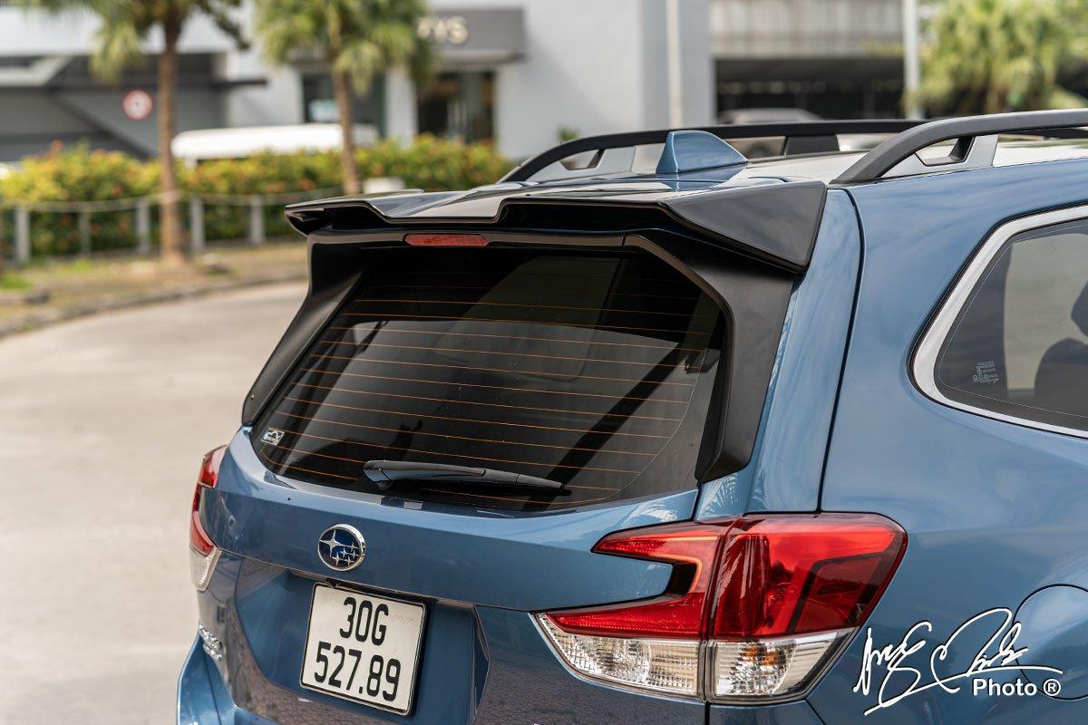Cánh gió đuôi xe Subaru Forester 2021.