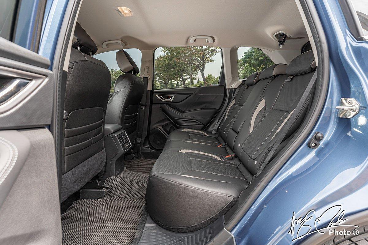 Ghế sau của Subaru Forester 2021.