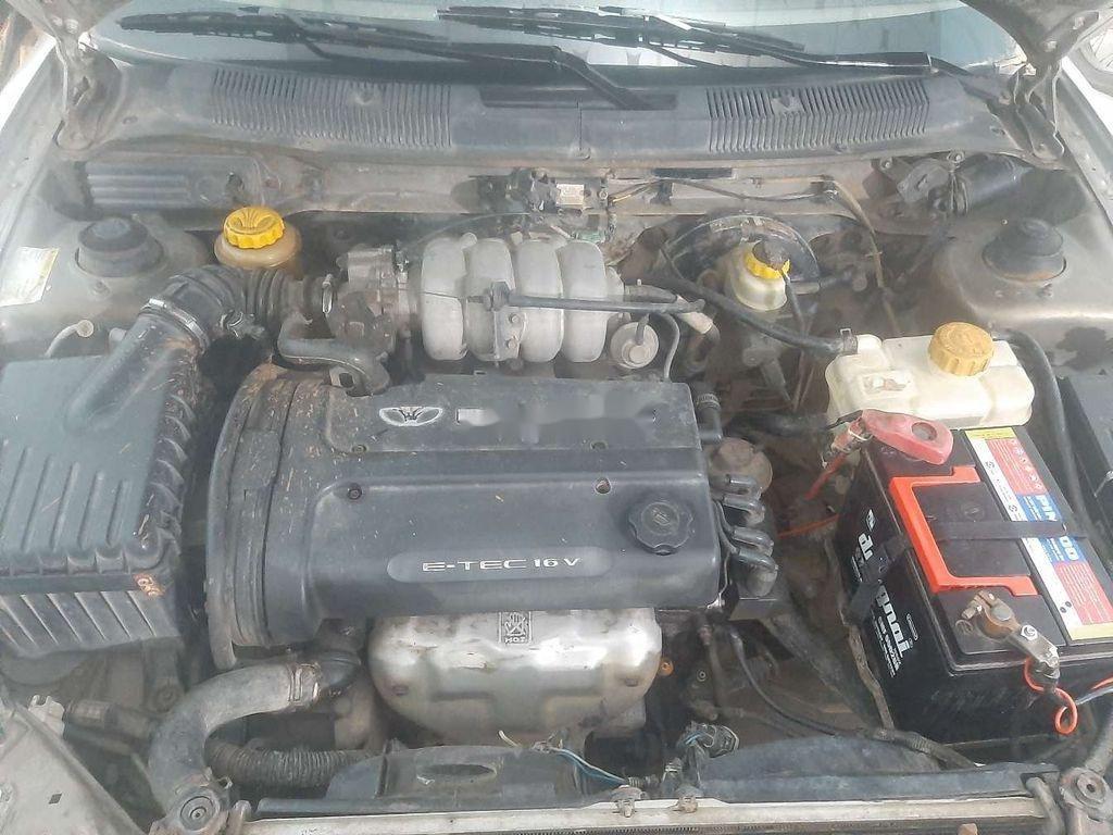 Cần bán Daewoo Nubira sản xuất 2000, màu bạc, xe nhập còn mới (3)