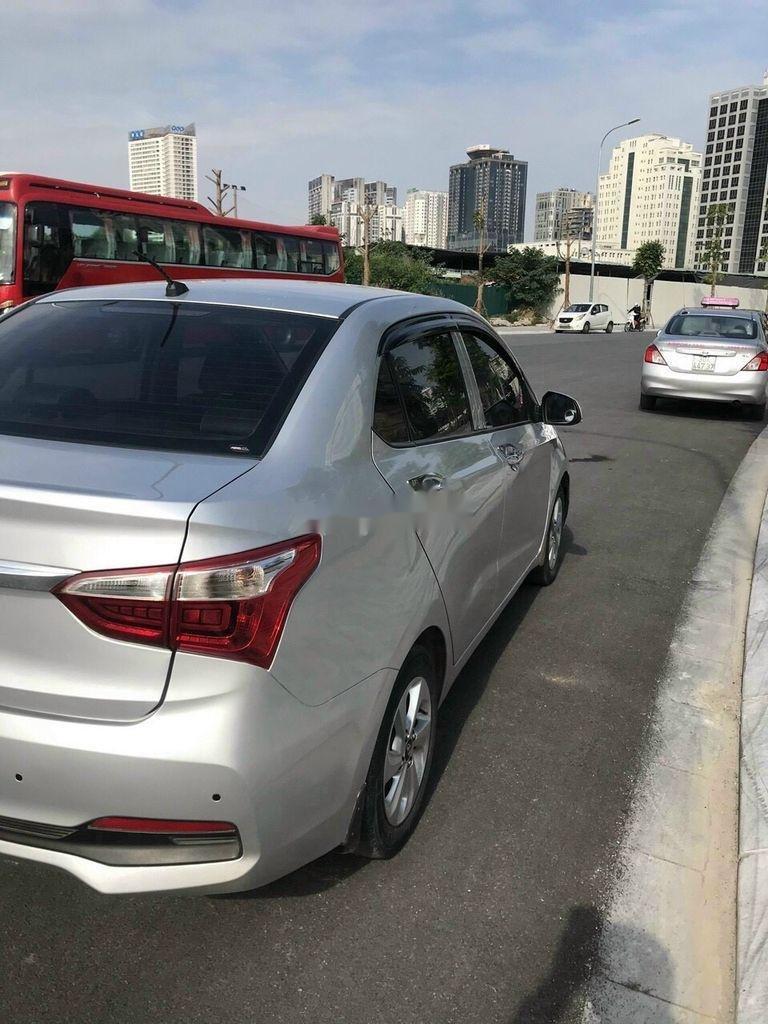 Bán Hyundai Grand i10 đời 2018, màu bạc chính chủ, 333 triệu (5)