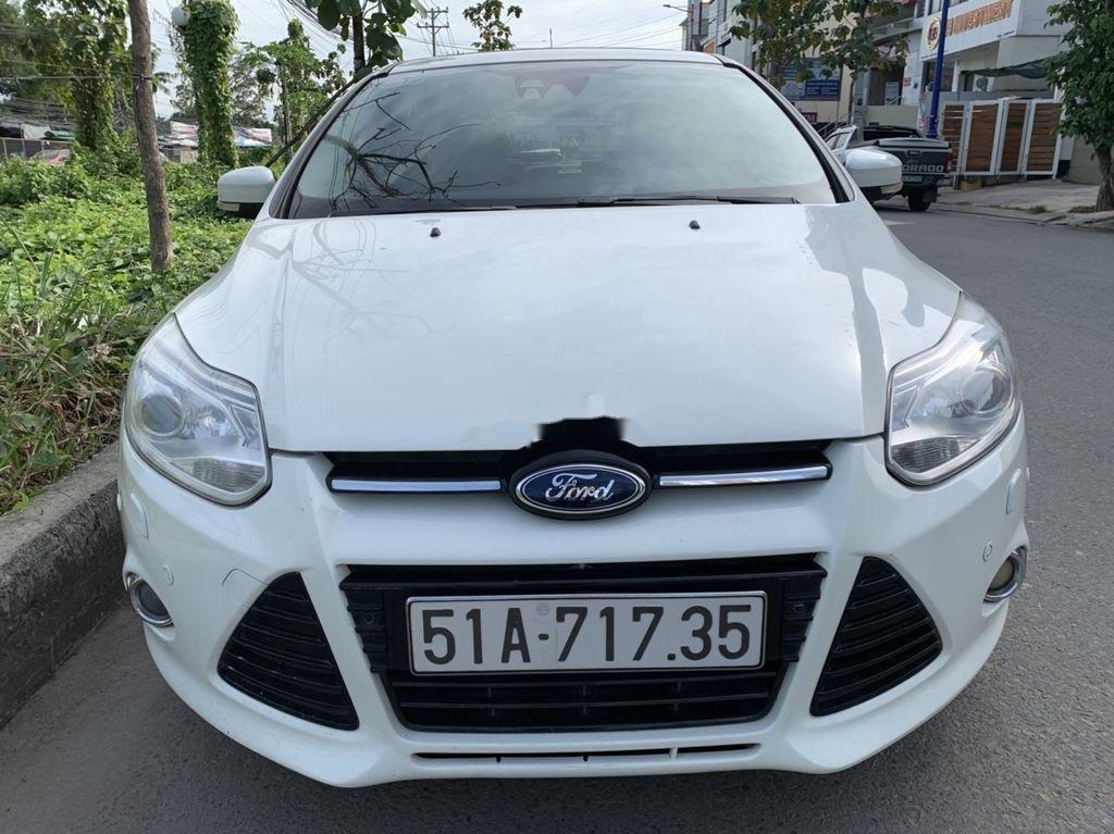Bán Ford Focus đời 2013, màu trắng, giá 405tr (5)