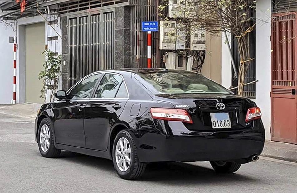 Bán xe Toyota Camry năm 2011, màu đen, nhập khẩu nguyên chiếc còn mới, 825tr (1)