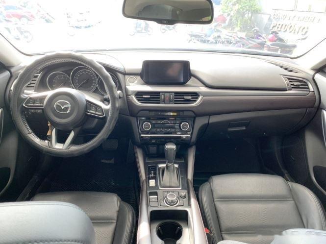 Cần bán gấp Mazda 6 sản xuất năm 2017, màu trắng  (10)