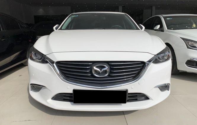 Cần bán gấp Mazda 6 sản xuất năm 2017, màu trắng  (1)