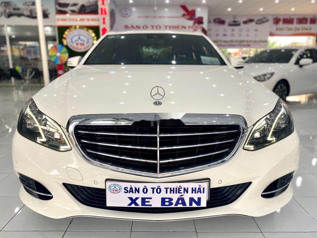 Cần bán gấp Mercedes E 200 đời 2015, màu trắng (1)