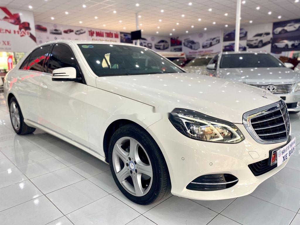 Cần bán gấp Mercedes E 200 đời 2015, màu trắng (2)