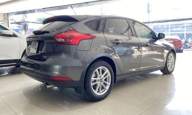 Xe Ford Focus đời 2018, màu xám, giá chỉ 530 triệu (5)