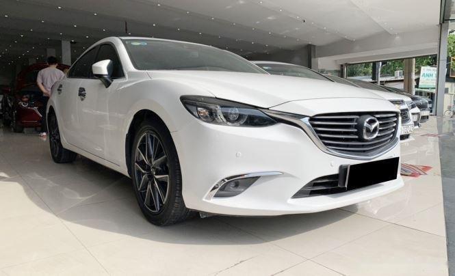 Cần bán gấp Mazda 6 sản xuất năm 2017, màu trắng  (2)