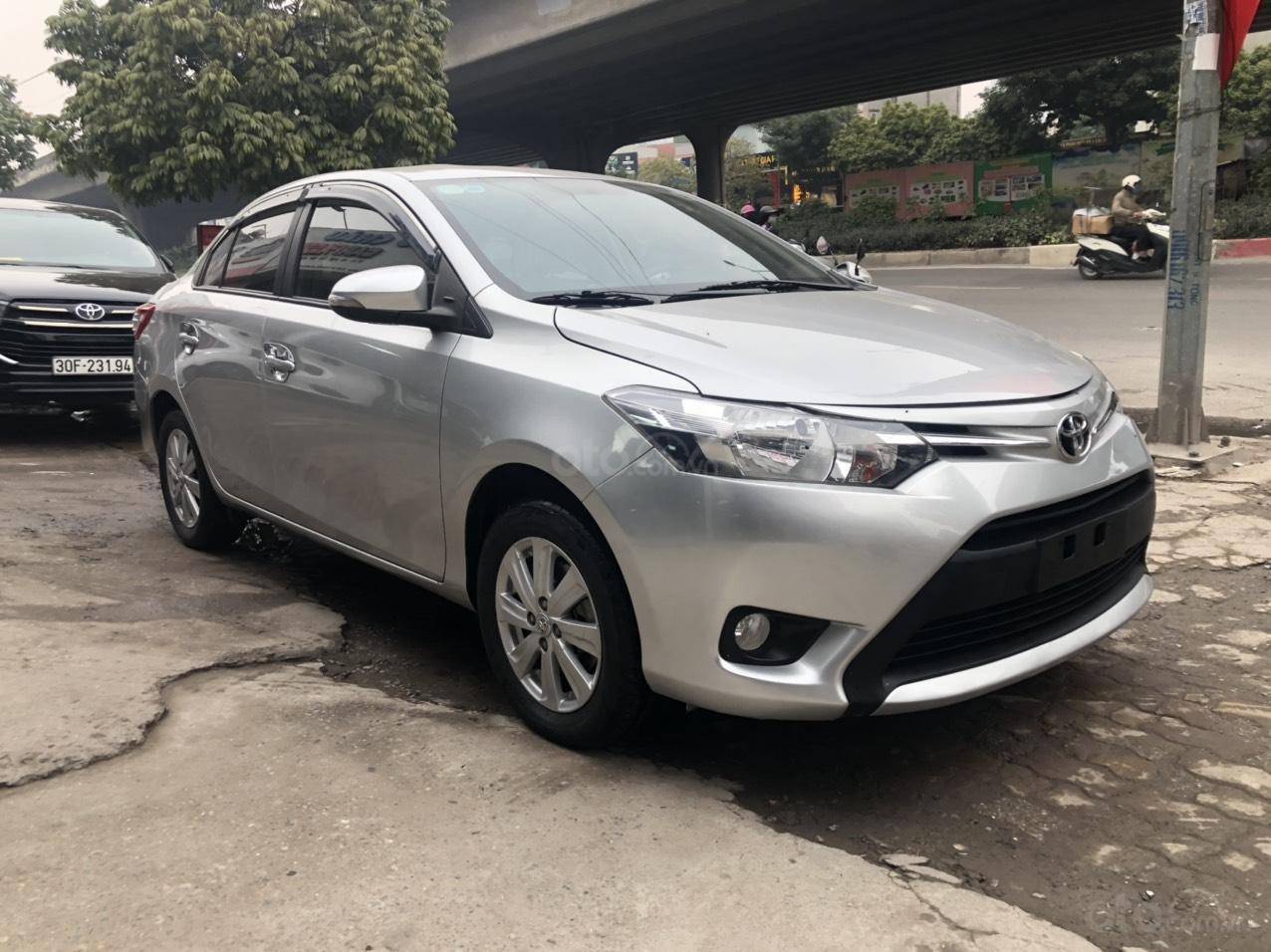 Bán nhanh Toyota Vios E AT đời 2018 màu bạc, xe chất biển TP, xe đẹp, nguyên zin không kinh doanh, chạy hơn 30000km (2)