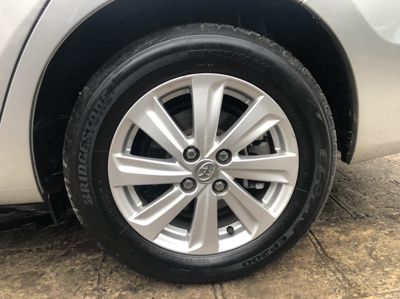 Bán nhanh Toyota Vios E AT đời 2018 màu bạc, xe chất biển TP, xe đẹp, nguyên zin không kinh doanh, chạy hơn 30000km (8)