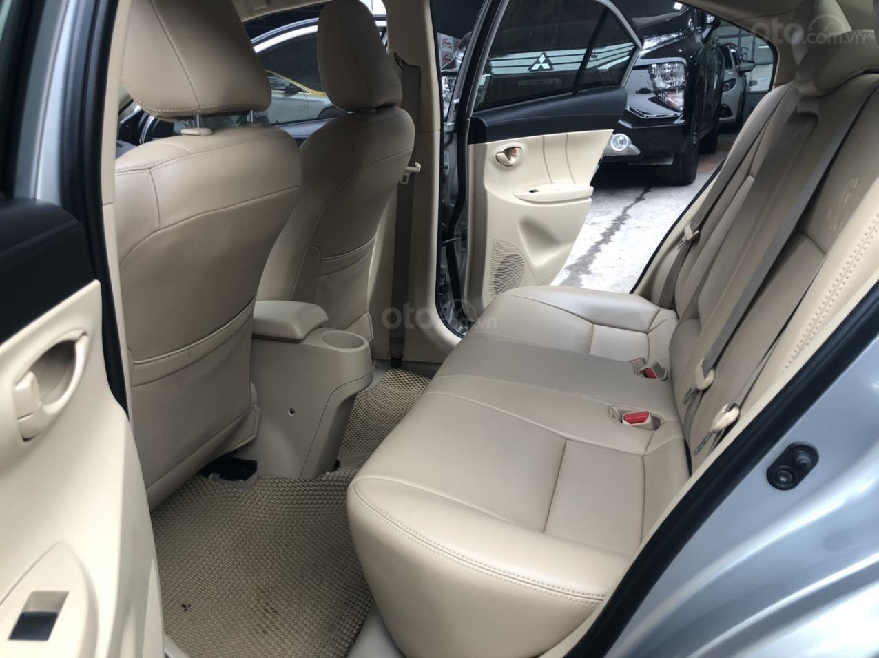 Bán nhanh Toyota Vios E AT đời 2018 màu bạc, xe chất biển TP, xe đẹp, nguyên zin không kinh doanh, chạy hơn 30000km (10)