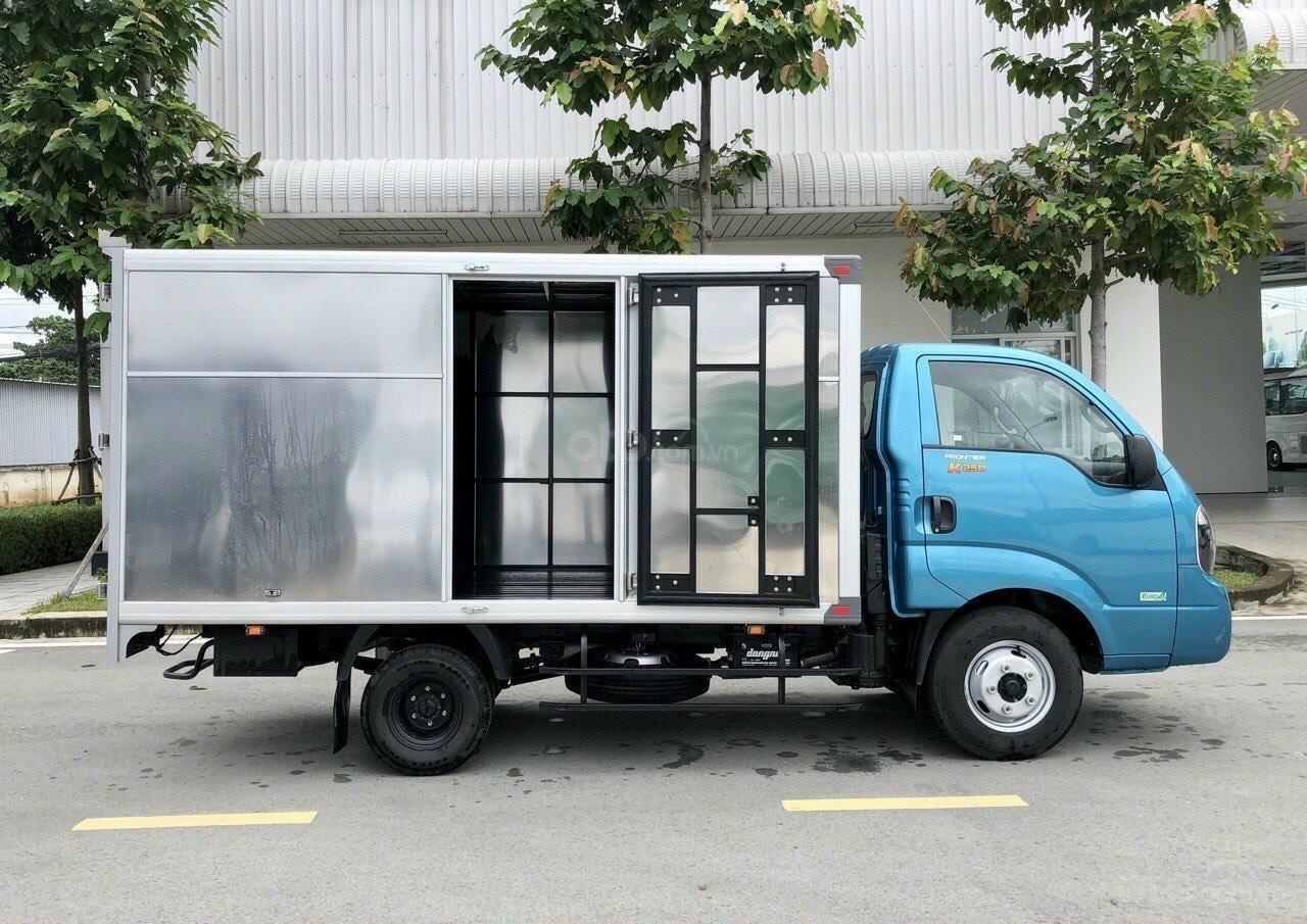Xe tải Kia K250 new 2021 thùng kín, xe sẵn giao ngay, giá rẻ nhất Sài Gòn (1)