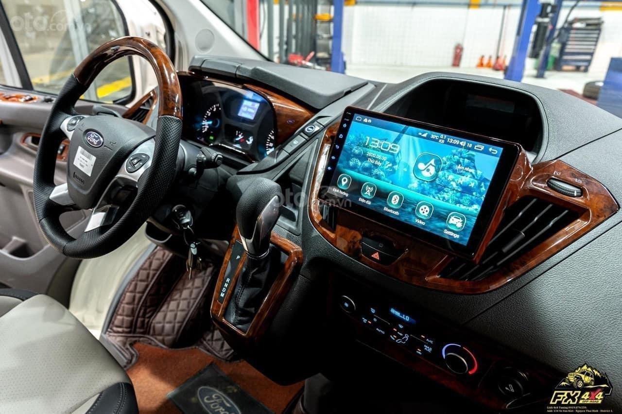 Ford Tourneo Limousine phiên bản giới hạn (13)