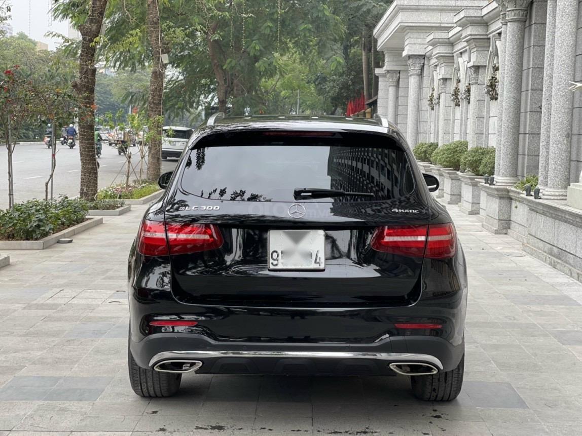 Mercedes GLC300, 2017 biển Hà Nội, máy móc nguyên bản (10)