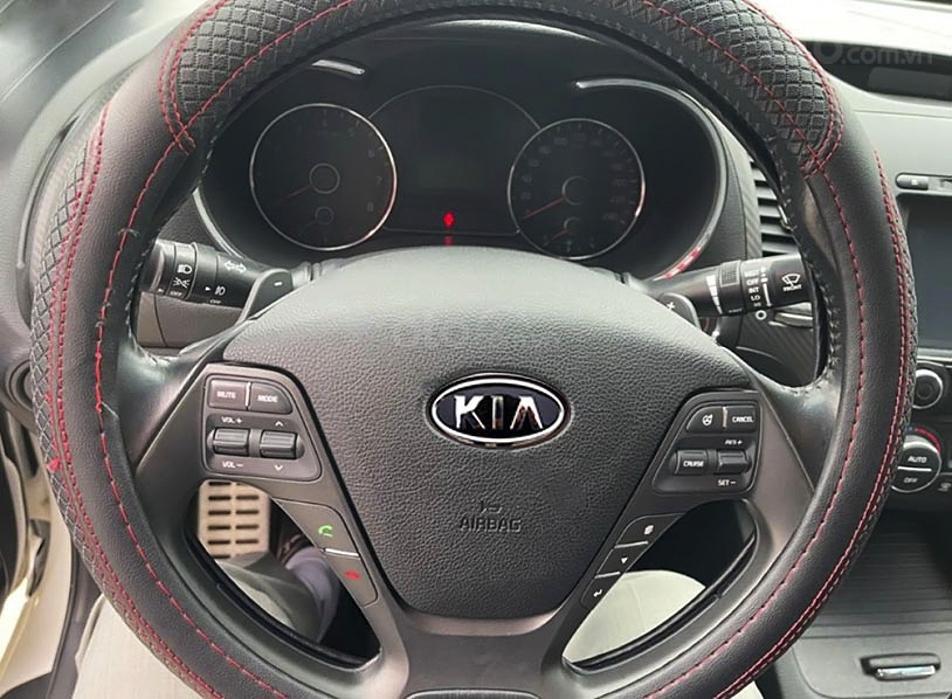 Bán Kia K3 năm sản xuất 2015, màu trắng chính chủ, giá 485tr (4)