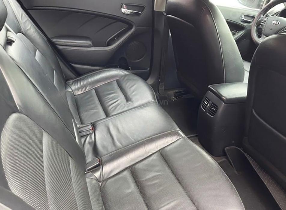 Bán Kia K3 năm sản xuất 2015, màu trắng chính chủ, giá 485tr (2)