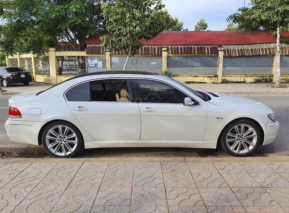 Cần bán lại xe BMW 7 Series 750li sản xuất 2005, màu trắng (1)