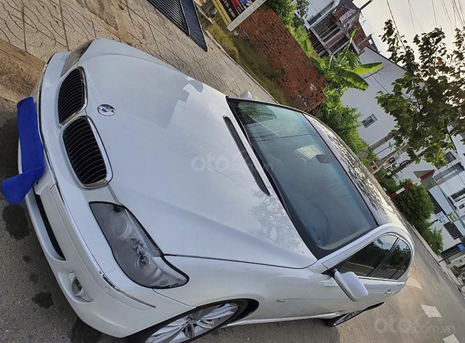 Cần bán lại xe BMW 7 Series 750li sản xuất 2005, màu trắng (2)