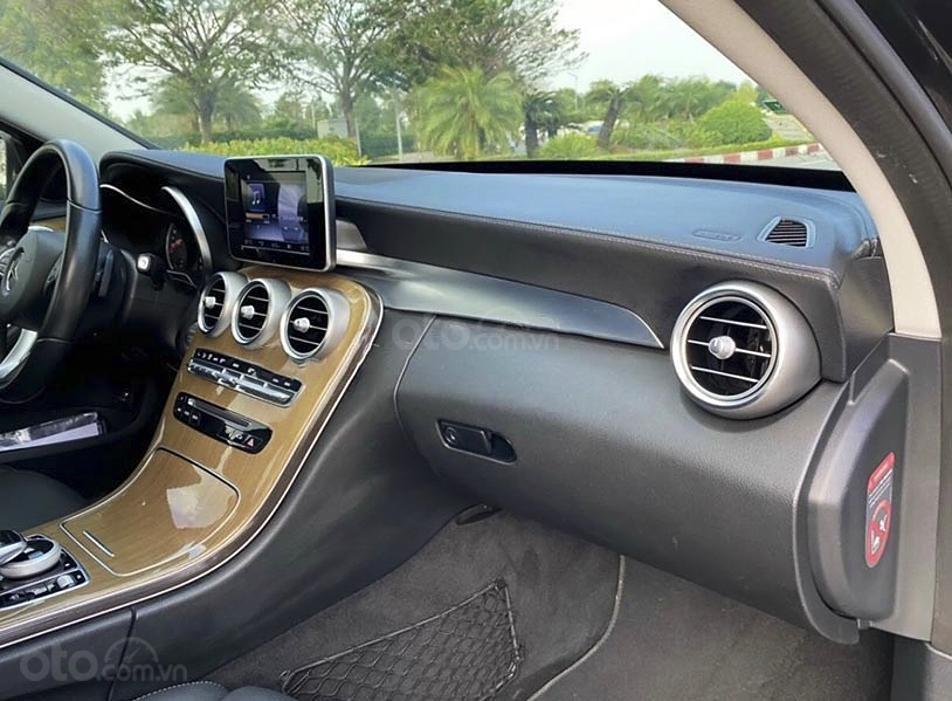 Bán Mercedes C250 Exclusive năm sản xuất 2016, màu đen (3)