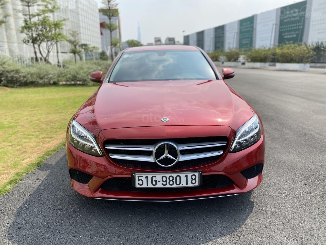 Xe Mercedes C200 sản xuất năm 2020, giá ưu đãi (2)