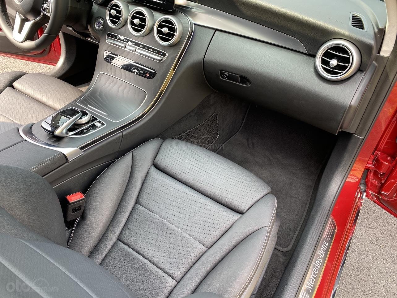 Xe Mercedes C200 sản xuất năm 2020, giá ưu đãi (10)