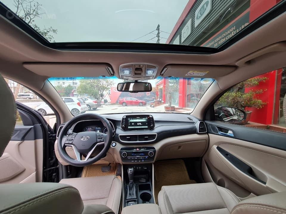 Bán Hyundai Tucson đời 2019, màu đen chính chủ (3)