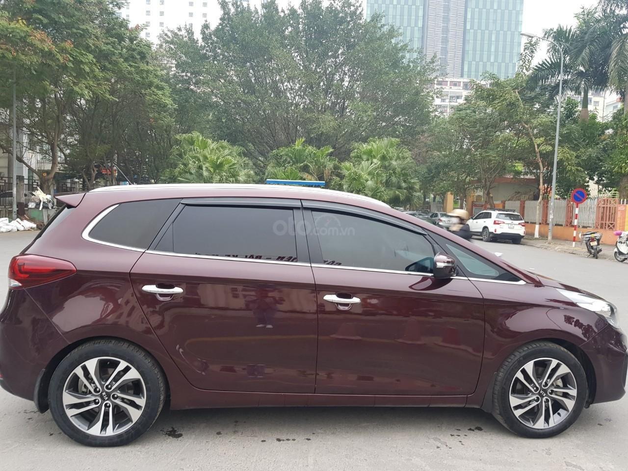 Cần bán Kia Rondo 7 chỗ 2017 máy xăng 2.0 AT biển Hà Nội lỗi tặng luôn xe (3)