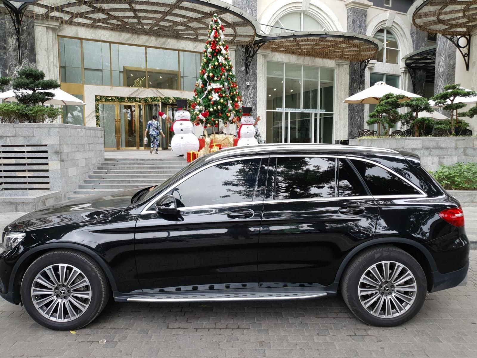 Bán Mercedes Benz GLC 250 đen nâu 2018 (2)