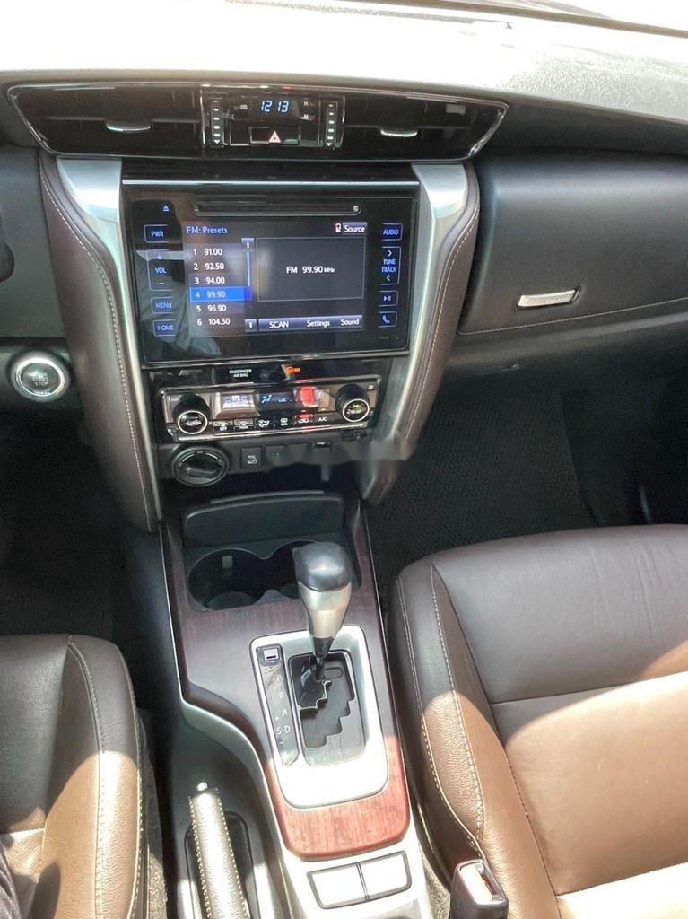 Cần bán xe Toyota Fortuner sản xuất 2017, giá ưu đãi (7)