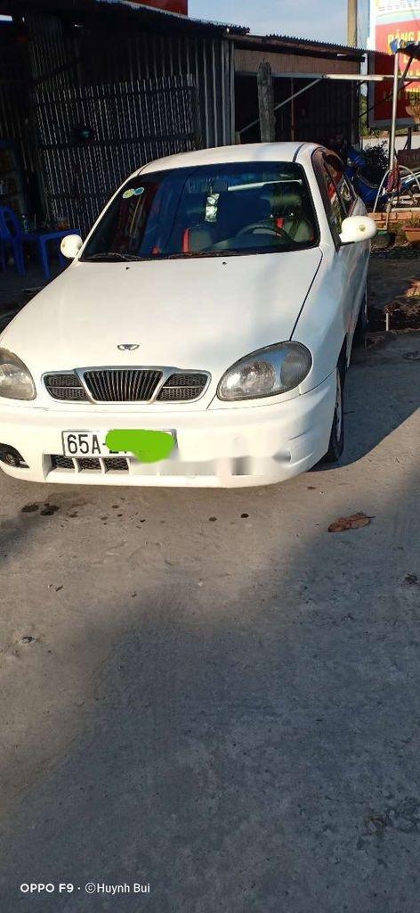 Cần bán xe Daewoo Lanos năm sản xuất 2003, màu trắng (1)
