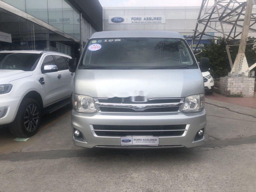 Cần bán Toyota Hiace đời 2011, màu bạc, giá chỉ 339 triệu (1)