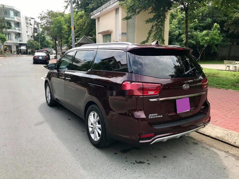 Bán Kia Sedona 2020, màu đỏ, xe chính chủ (5)
