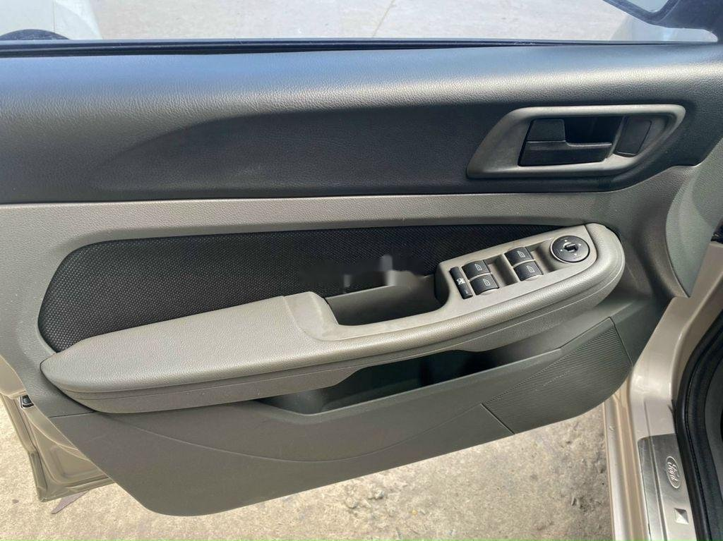 Cần bán xe Ford Focus 1.8L AT sản xuất năm 2011 (7)