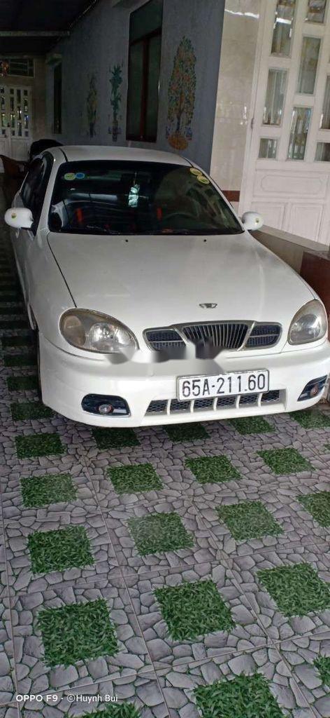 Cần bán xe Daewoo Lanos năm sản xuất 2003, màu trắng (3)