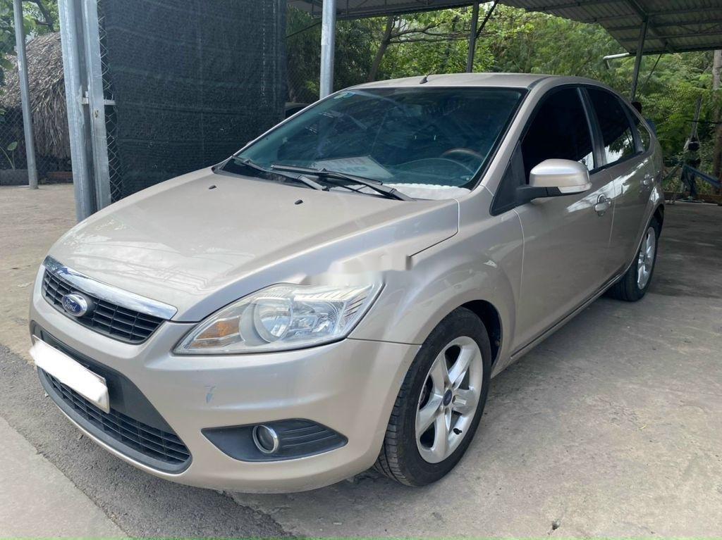 Cần bán xe Ford Focus 1.8L AT sản xuất năm 2011 (1)