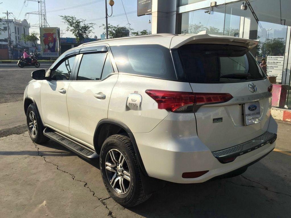 Cần bán Toyota Fortuner đời 2017, màu trắng (3)