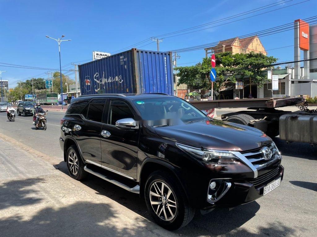 Cần bán xe Toyota Fortuner sản xuất 2017, giá ưu đãi (3)