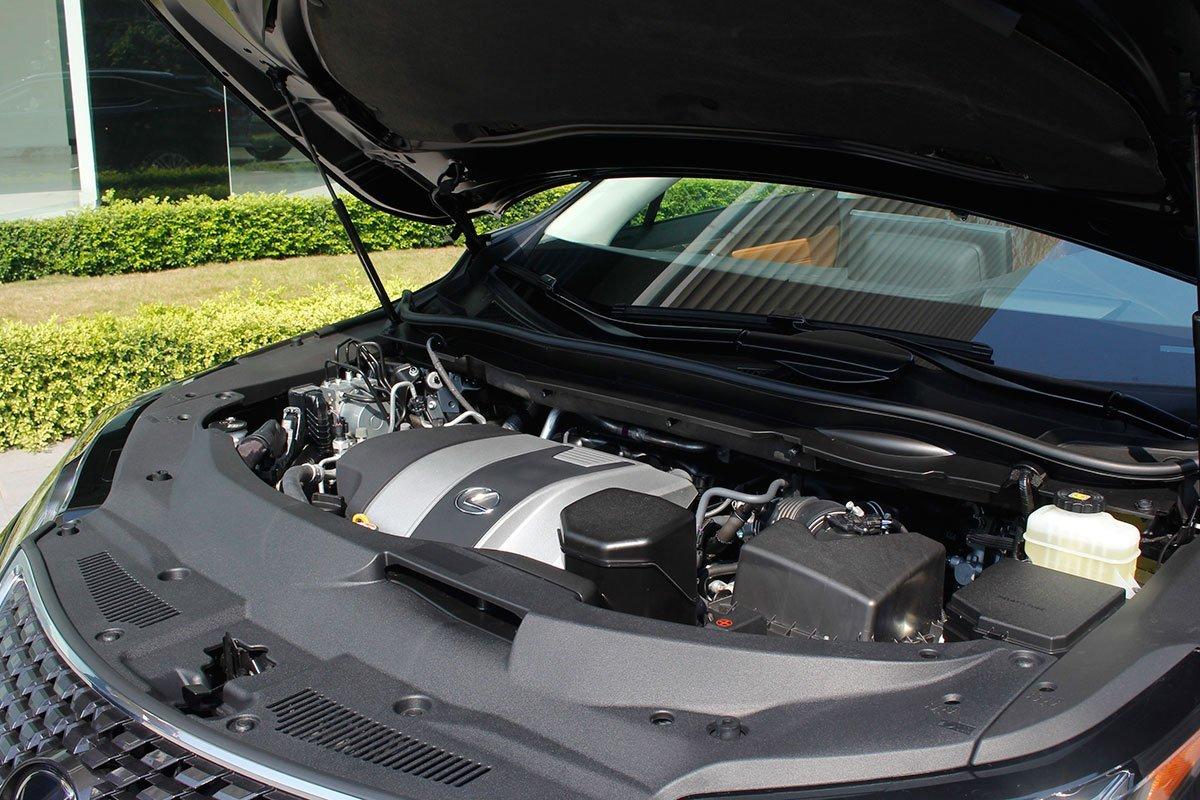 Động cơ xe Lexus RX 350 2021.