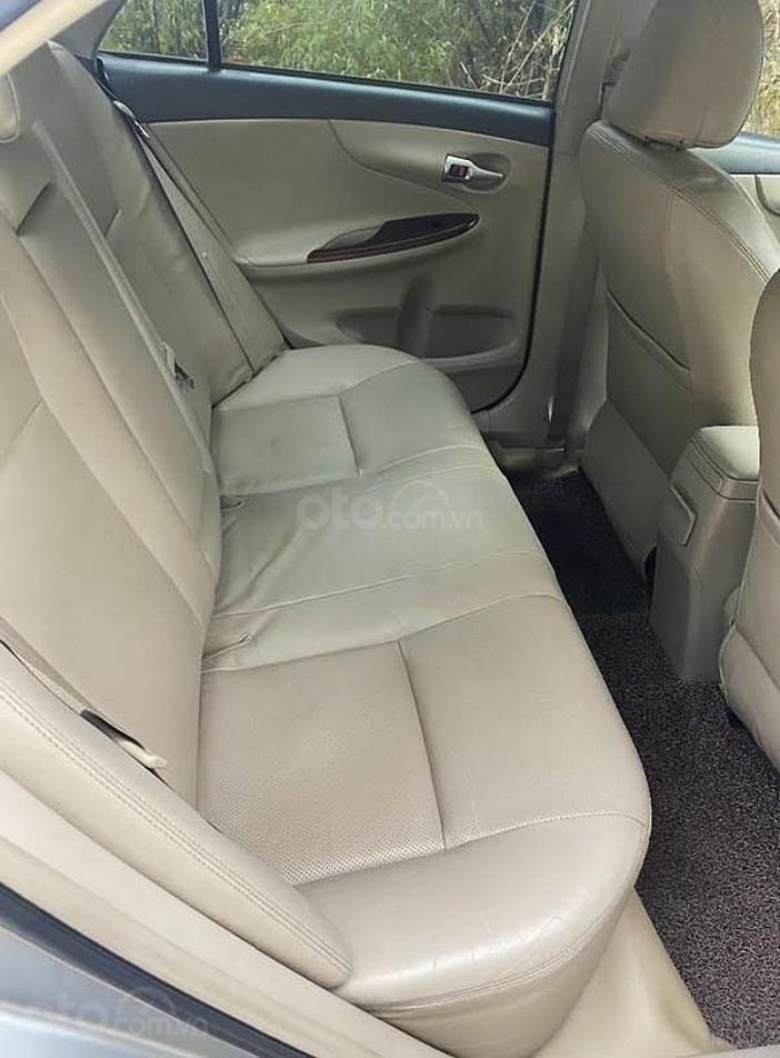 Bán xe Toyota Corolla Altis sản xuất 2011, nhập khẩu nguyên chiếc (3)