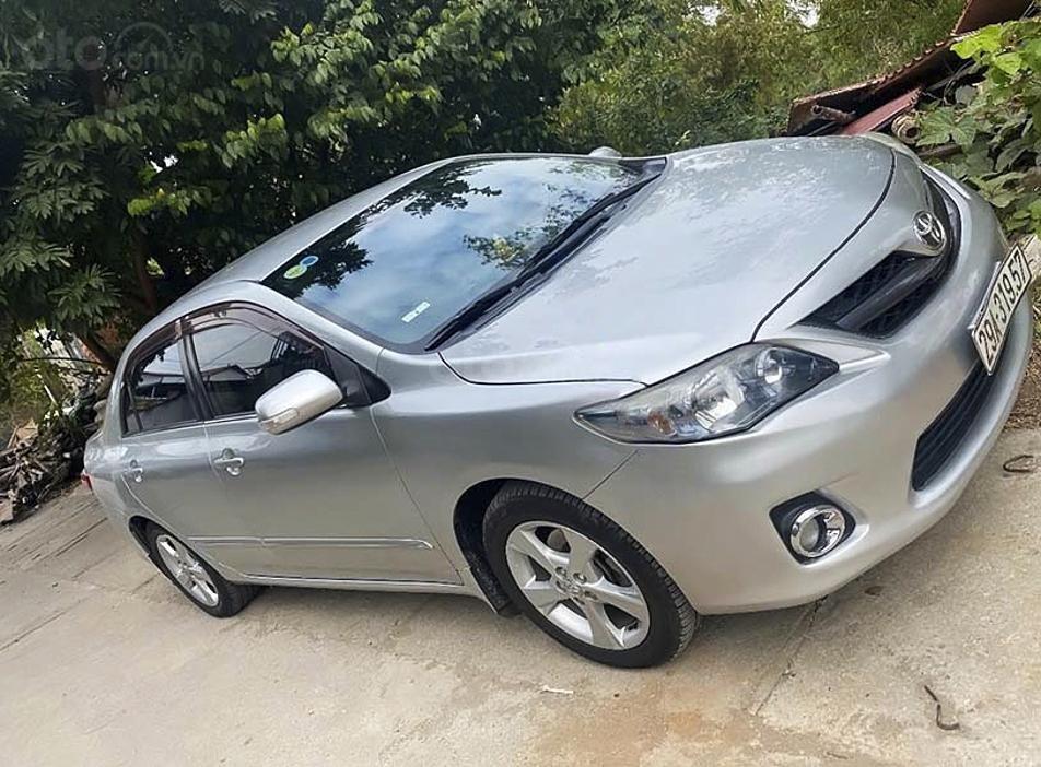 Bán xe Toyota Corolla Altis sản xuất 2011, nhập khẩu nguyên chiếc (1)
