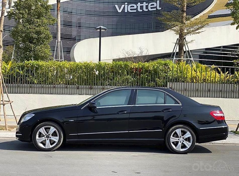 Cần bán gấp Mercedes E250 AMG năm sản xuất 2012, màu đen, 743tr (2)