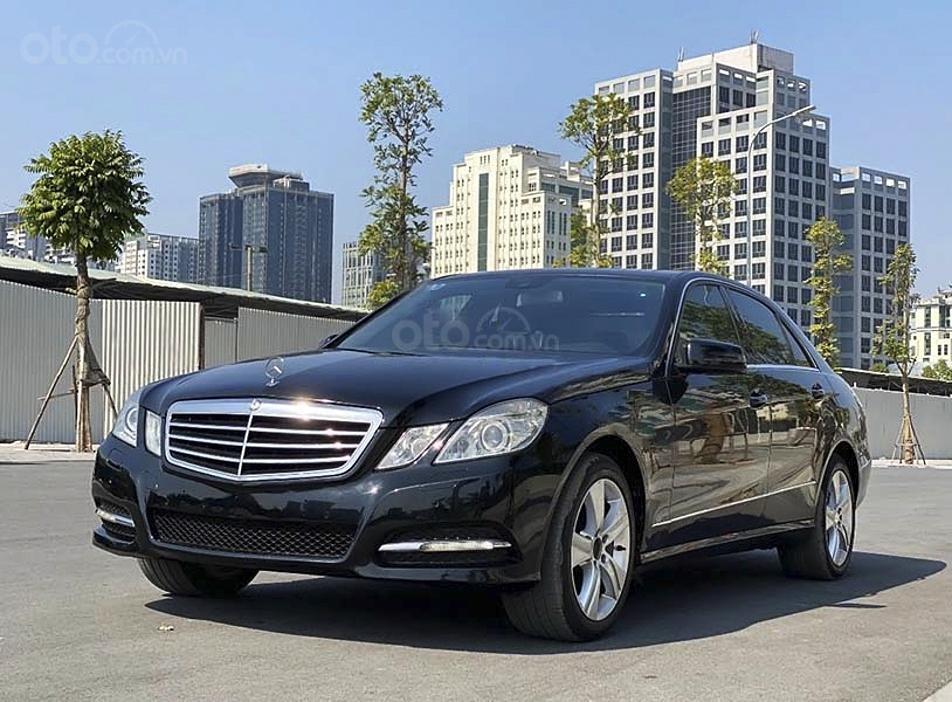Cần bán gấp Mercedes E250 AMG năm sản xuất 2012, màu đen, 743tr (1)