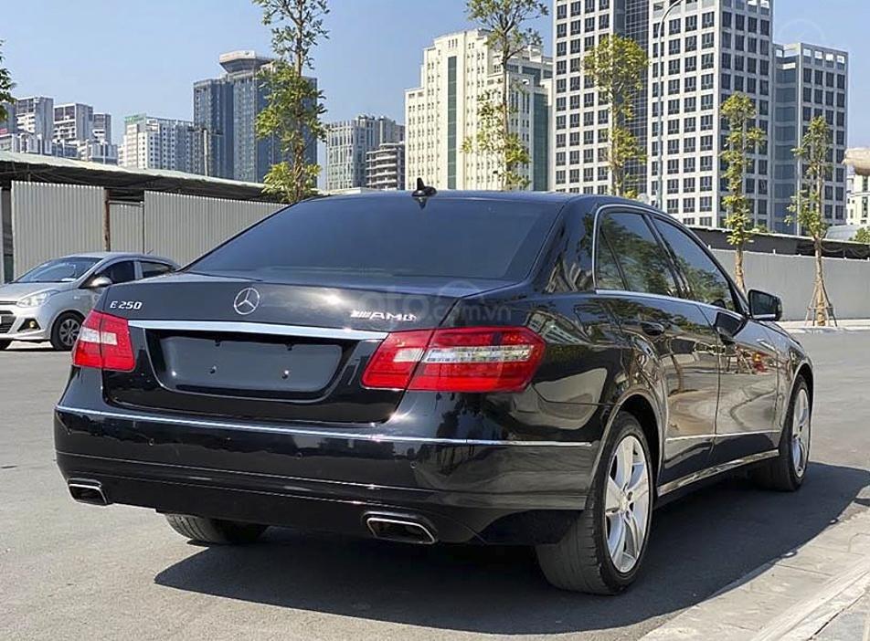 Cần bán gấp Mercedes E250 AMG năm sản xuất 2012, màu đen, 743tr (4)