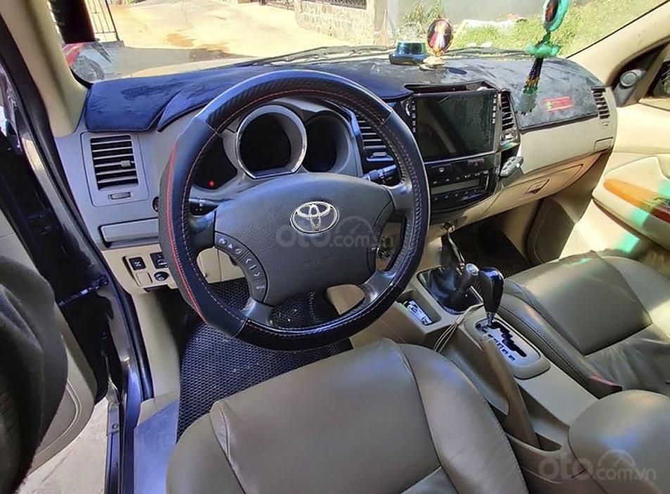 Cần bán lại xe Toyota Fortuner 2010, màu đen, nhập khẩu, 518 triệu (2)