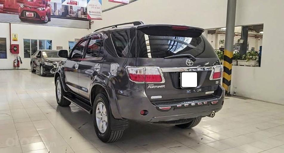 Bán xe Toyota Fortuner 2.7V 4x4 AT sản xuất 2010, màu xám giá cạnh tranh (2)