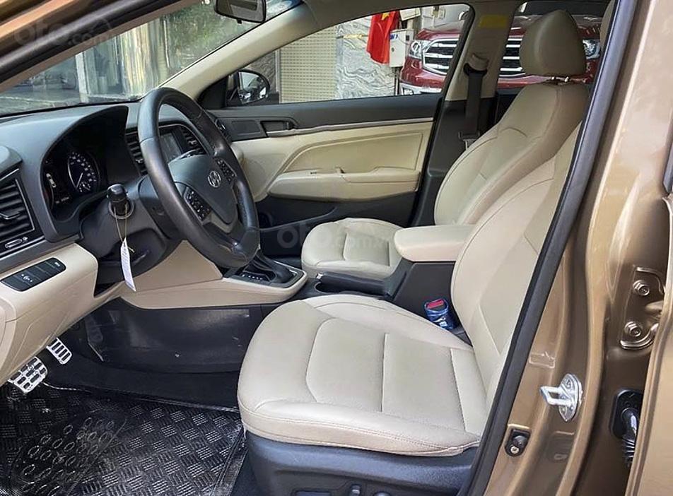 Cần bán xe Hyundai Elantra sản xuất năm 2018, màu nâu  (4)