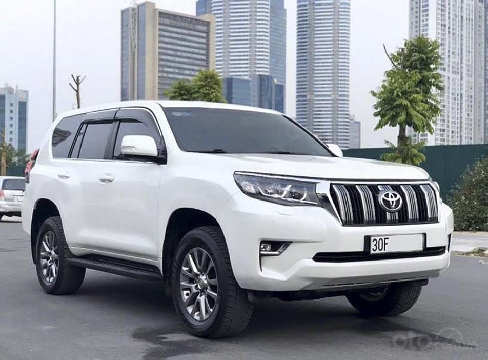 Cần bán gấp Toyota Prado năm sản xuất 2018, màu trắng, nhập khẩu (1)