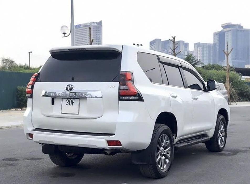 Cần bán gấp Toyota Prado năm sản xuất 2018, màu trắng, nhập khẩu (4)