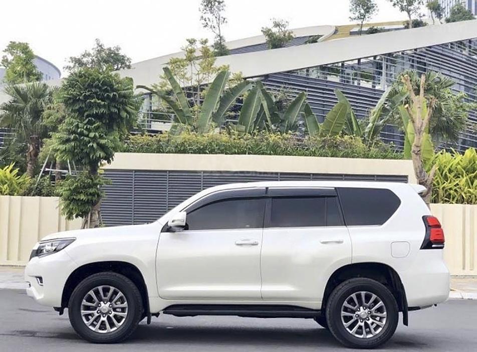 Cần bán gấp Toyota Prado năm sản xuất 2018, màu trắng, nhập khẩu (5)