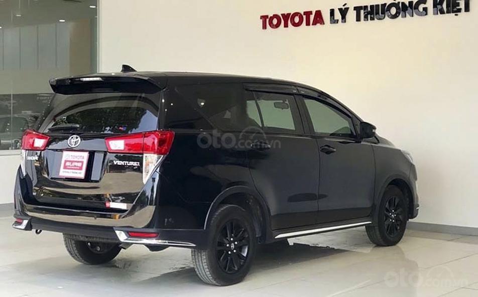 Cần bán Toyota Innova 2020, màu đen chính chủ (2)